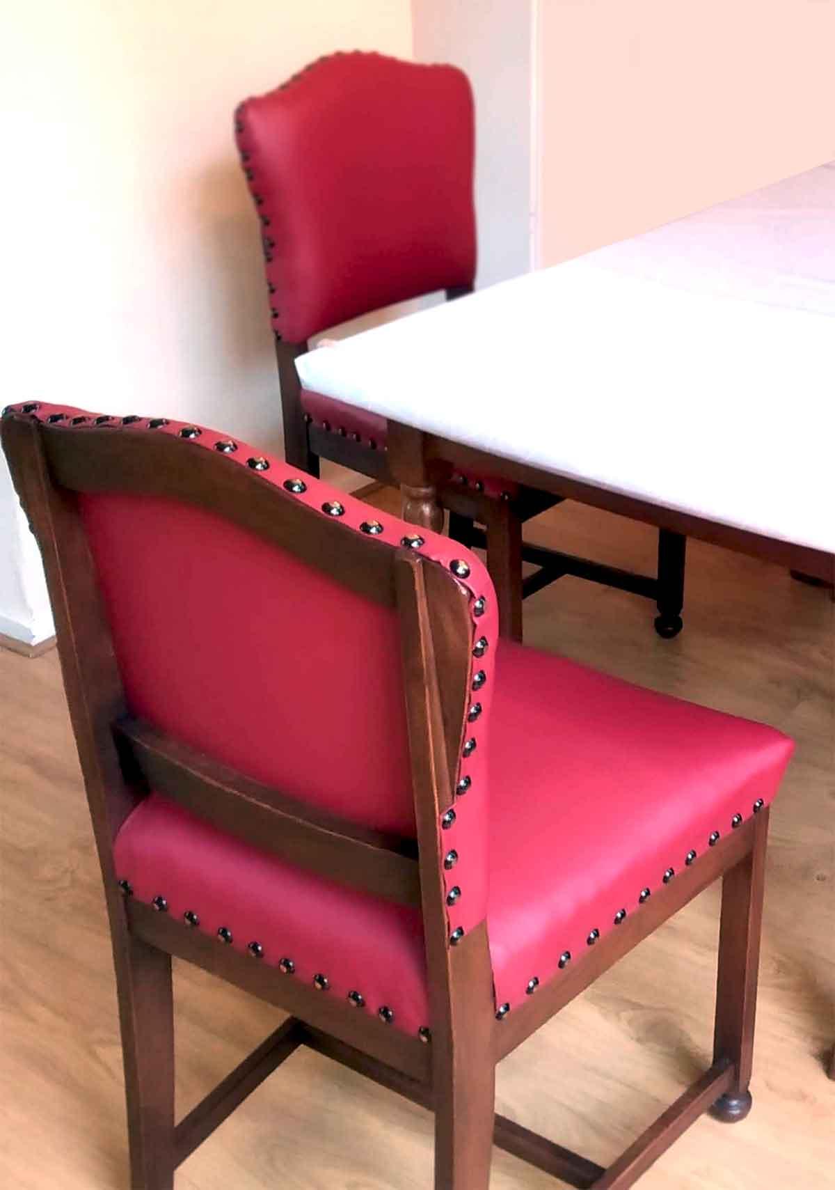 rode ouderwetse stoelenset bekleed met leer door Anita Pareldesign