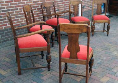 Set antieke eetkamerstoelen opnieuw bekleed